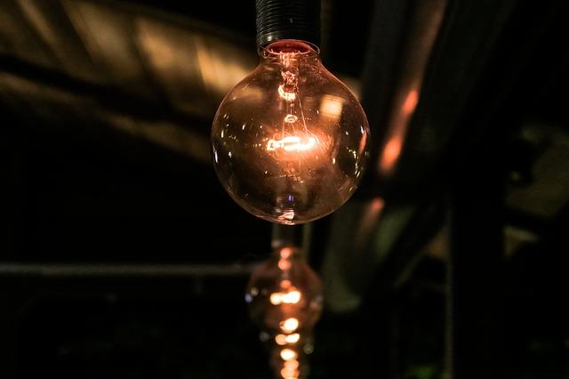 bronzové světlo