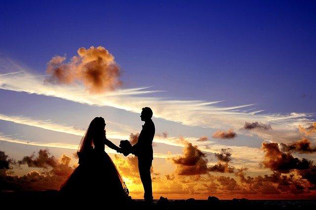 siluety novomanželů.jpg